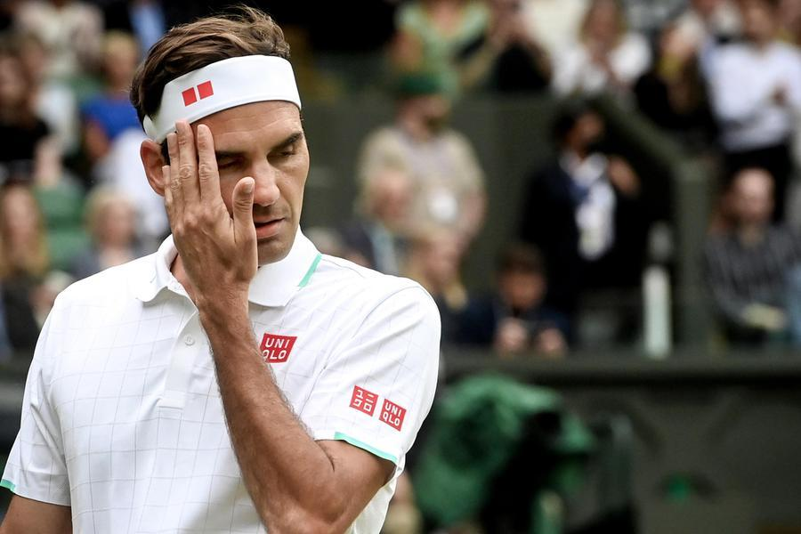 """Federer si opera di nuovo al ginocchio, carriera al capolinea: """"Starò fuori per molti mesi"""""""