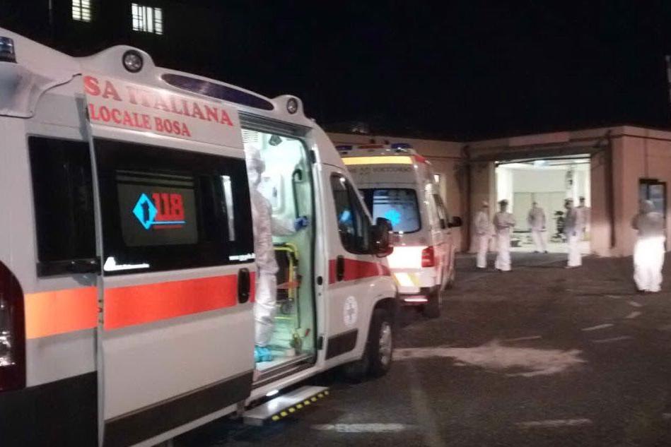Oristano, richiude il Pronto soccorso dopo 48 ore. A Nuoro le ambulanze in fila