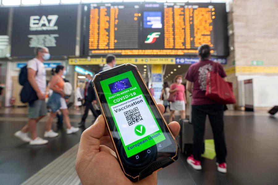 """Green pass """"a tappe"""" per spettacoli, viaggi e sport: domani il decreto, si tratta per i ristoranti - L'Unione Sarda.it"""