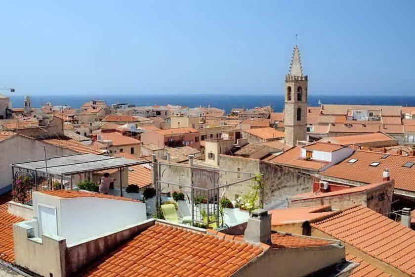 Furti ad Alghero, due arresti e 2mila euro di merce recuperata