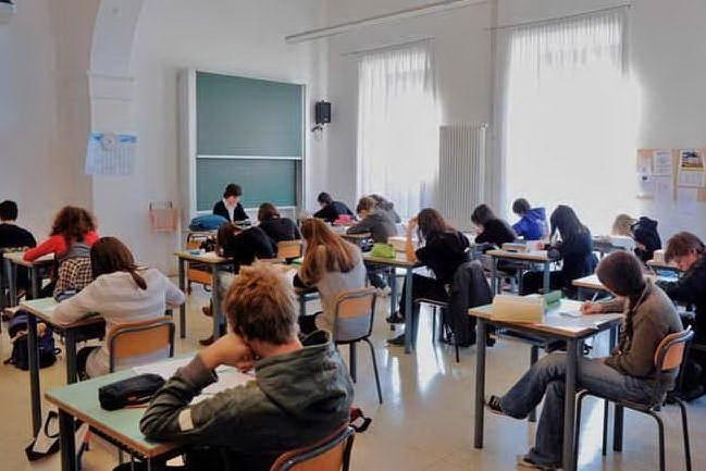 Un caso di Covid al Giua di Cagliari: sospetta variante, gli studenti tornano a casa