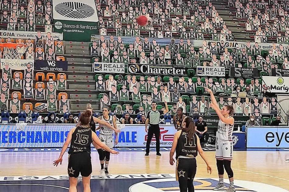 Basket femminile, la Dinamo ospita Broni per la prima gara dei playout