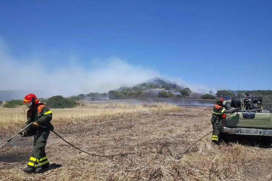 L'incendio di Collinas nel primo pomeriggio