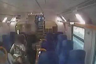 Terrore sui treni della Torino-Savona: ecco come agiva la banda di rapinatori
