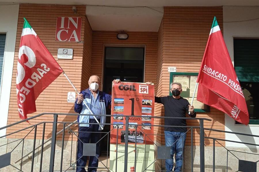San Gavino, presidio simbolico per la festa del lavoro davanti alla sede della Cgil