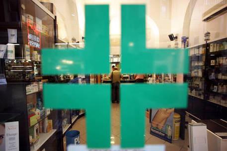 Ruba 100 euro di prodotti in farmacia, 28enne arrestato a Cagliari