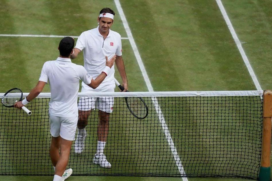 Wimbledon, battaglia epica: la spunta Djokovic, Federer ko 13-12 al quinto