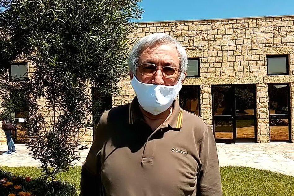 """Don Ettore nella comunità blindata: """"Ripensiamo alle cose importanti"""""""