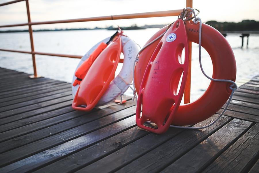 Bagnante muore in mare, denunciato il titolare dellostabilimento