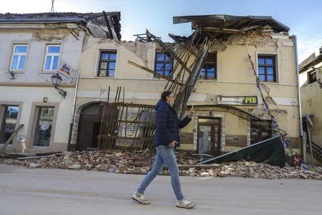 Nuove scosse di terremoto in Croazia, torna la paura