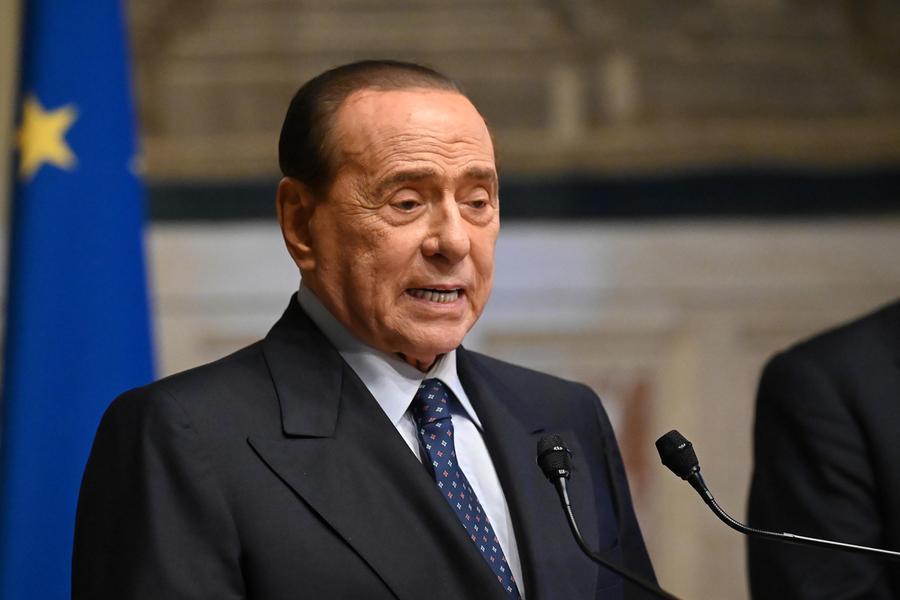 """Berlusconi: """"Sono ottimista, faremo ilpartito unico di centrodestra"""""""