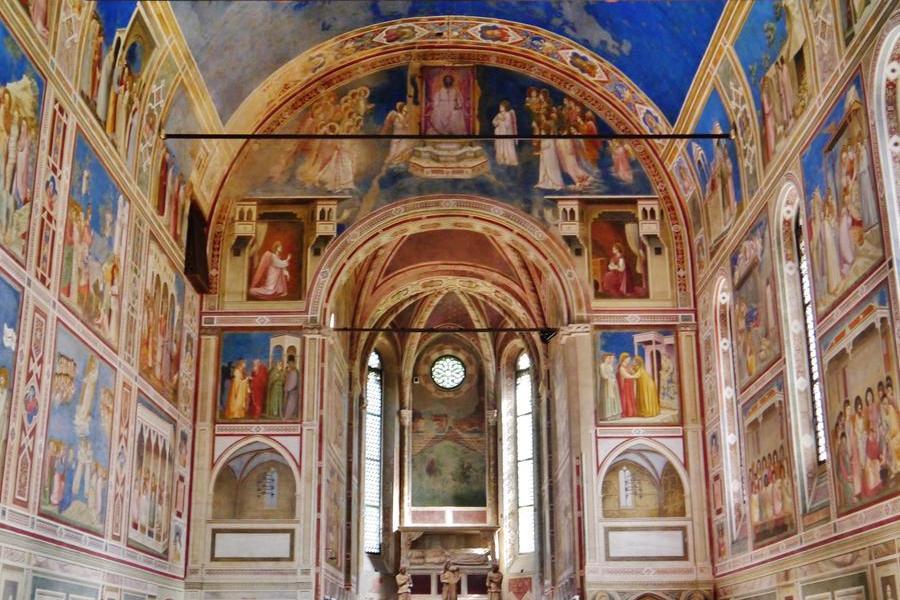 Gli affreschi di Giotto nella Cappella degli Scrovegni (foto Wikipedia)
