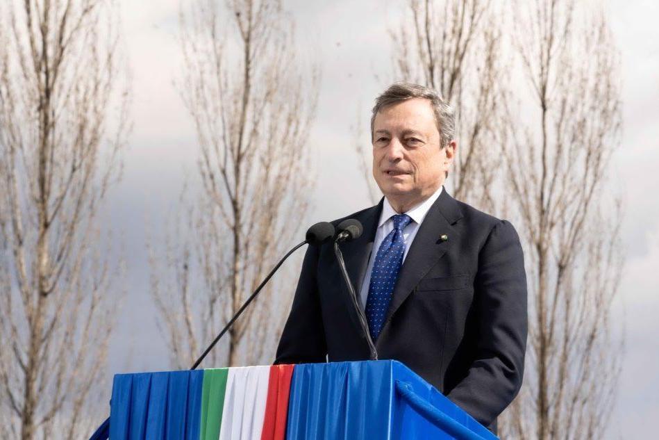 Draghi a Bergamo, piantato un albero in memoria vittime Covid