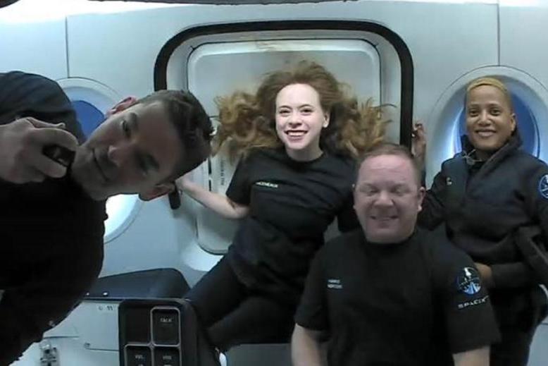 Rientrati sulla Terra i primi 4 turisti spaziali