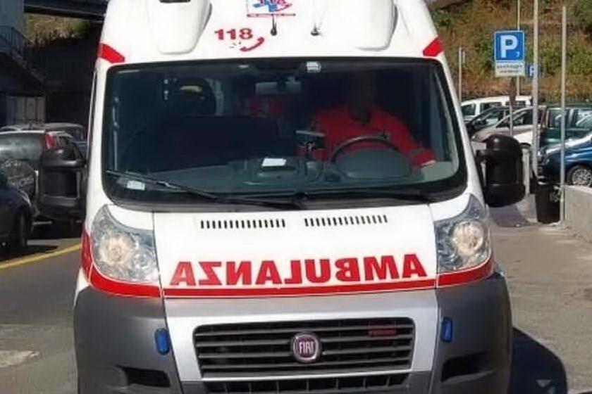 Gavoi, auto fuori strada. Due donne ferite