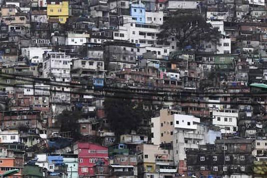 Irruzione nelle favelas di Rio, la polizia uccide 10 persone