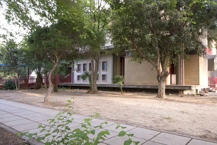 La scuola dove sono state trovate fibre di amianto