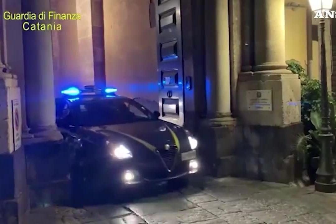Corruzione in esproprio terreni a Sigonella, arrestati funzionari pubblici