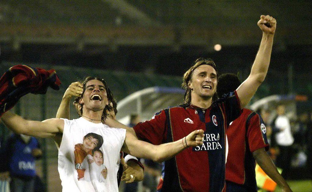 Gli ex rossoblù uruguaiani Diego Lopez e Nelson Abeijon (foto Archivio Unione Sarda, DP)