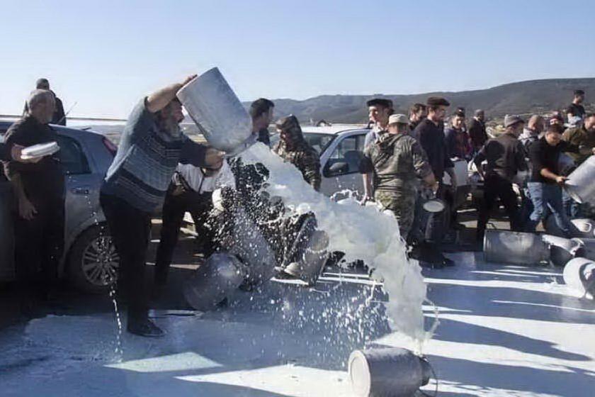Latte, il 7 gennaio la protesta dei pastori davanti al Tribunale di Nuoro