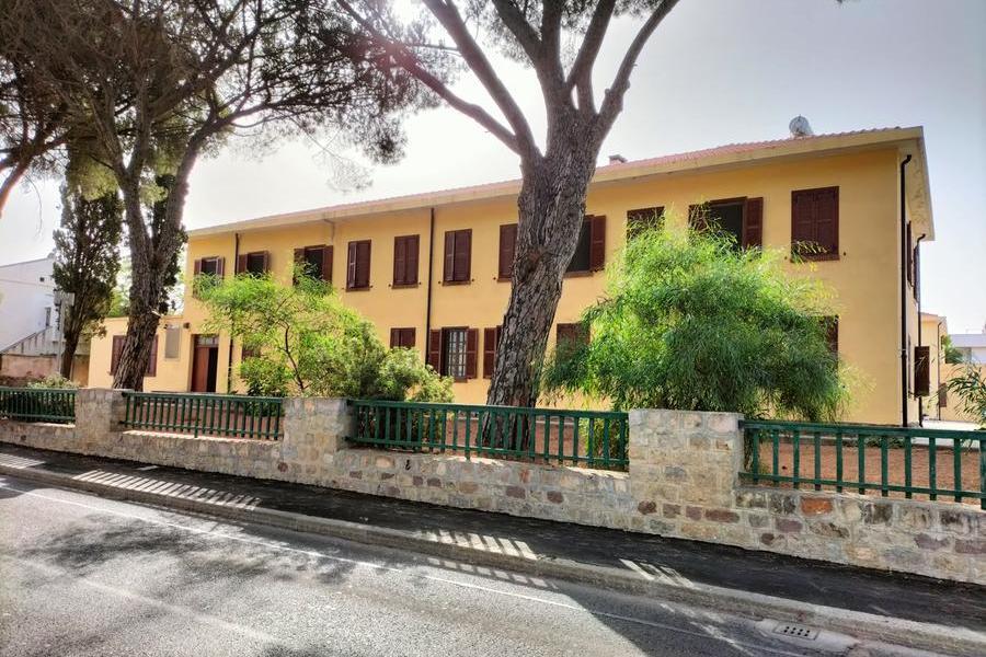 """Carbonia, alla case comunali """"piovono"""" calcinacci"""