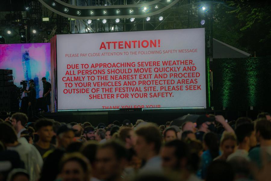 Alluvione in Tennessee, almeno 10morti e 30 dispersi. L'uragano Henri versoNew York: evacuato il maxi concerto a Central Park