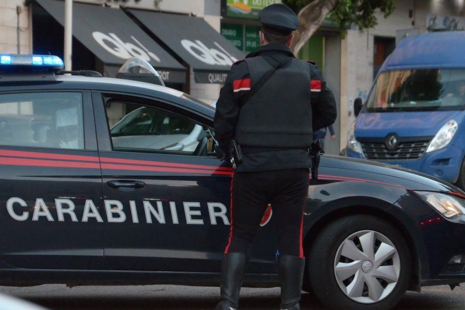 Cagliari, è ai domiciliari ma spaccia droga