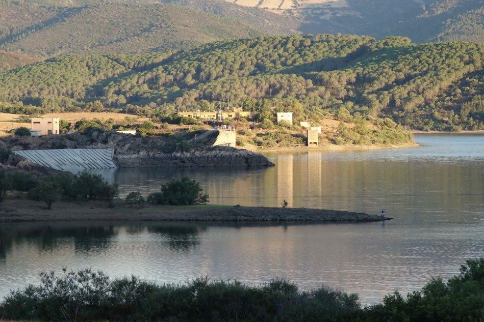 La diga Maccheronis, in territorio di Torpè (Archivio L'Unione Sarda)