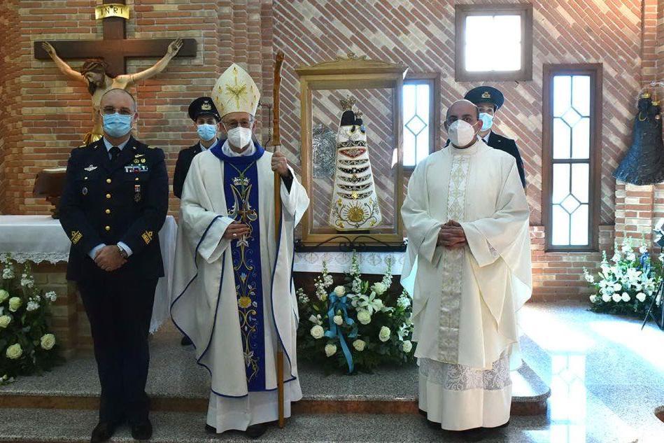La statua della Vergine di Loreto è arrivata al Poligono di Perdasdefogu