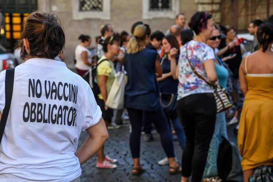 "Lamorgese: ""Rischio estremismi tra i no vax, c'èpreoccupazione"""