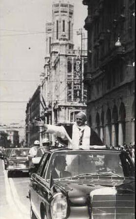 Il Santo Padre per le vie della città
