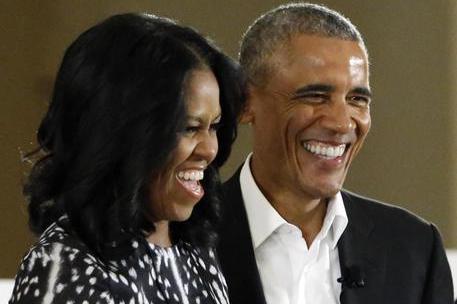 Obama con la moglie Michelle (Ansa)