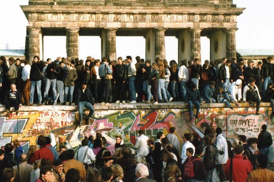Da Berlino a Trump: la voglia di costruire muri e la grande illusione del 1989