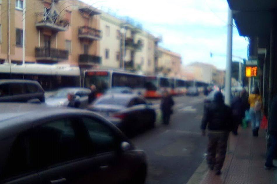 "Berlusconi a Pirri, esplode il caos: ""Bus bloccati per strada"""