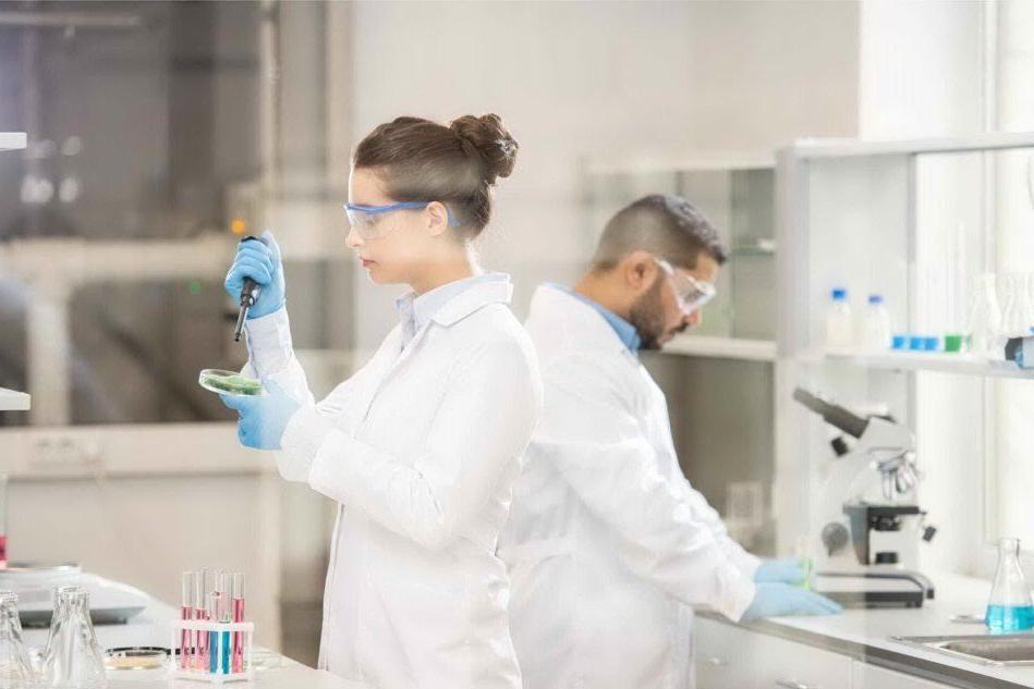 Ricercatori cagliaritani e inglesi scopronoil meccanismo dei batteri resistenti