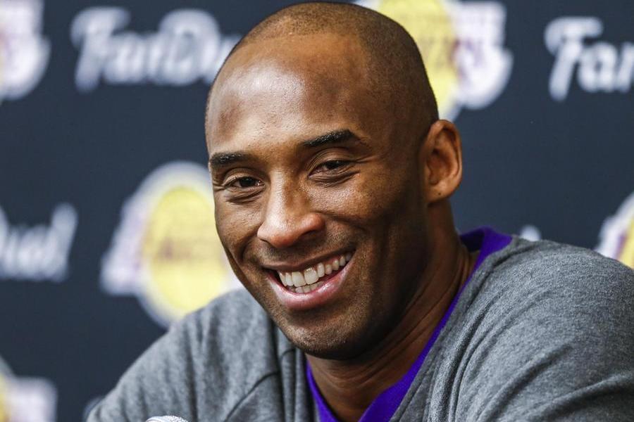"""La vedova di Kobe Bryant fa causa alla contea per """"stress emotivo"""""""