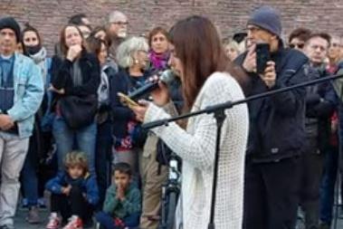 Studentessa No Green Pass si rifiuta di lasciare l'aula dell'università: lezione sospesa