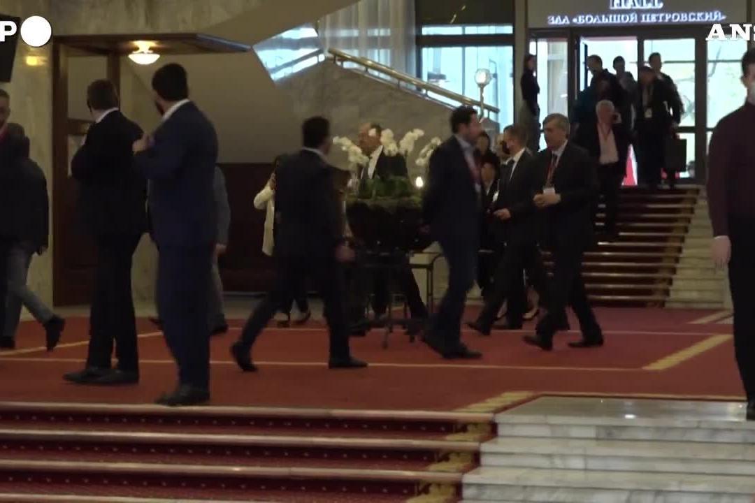 Summit di Mosca, per la prima volta presente la delegazione dei talebani