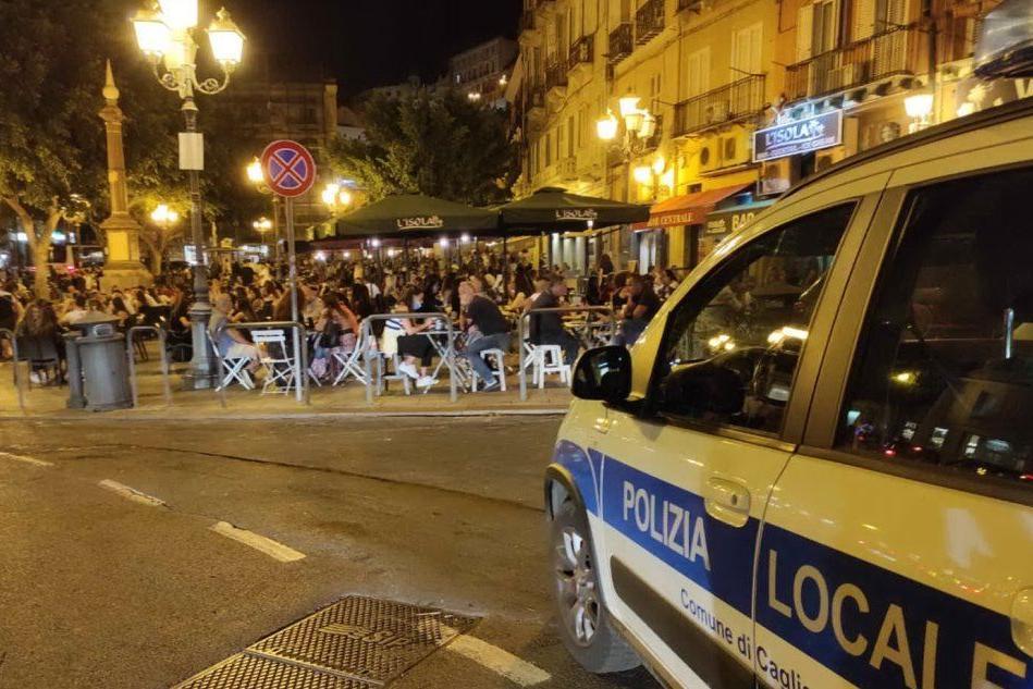 Mascherine sotto il mento o sul gomito: 15 multe a Cagliari
