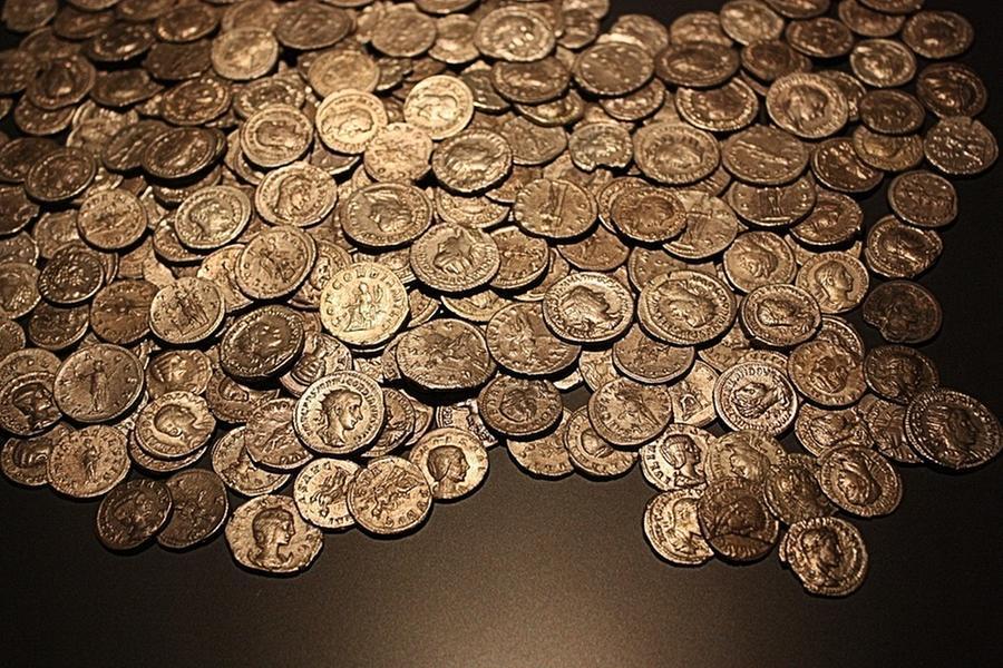 """Alla ricerca del tesoro di Montecristo, l'imprenditore fallito: """"Ho trovato due casse piene di monete d'oro"""""""
