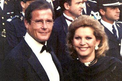 Addio a Luisa Mattioli, terza moglie di Roger Moore