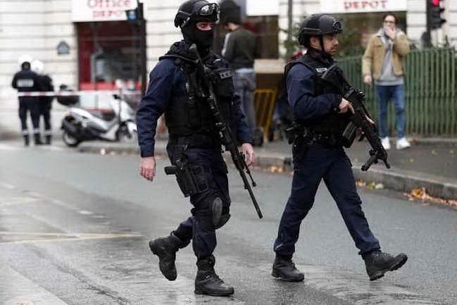 """Pianificavano un'azione """"violenta"""": cinque donne arrestate"""