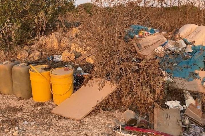 Porto Torres, fusti tossici e condizionatori: bomba ecologica a Ponti Pizzinnu