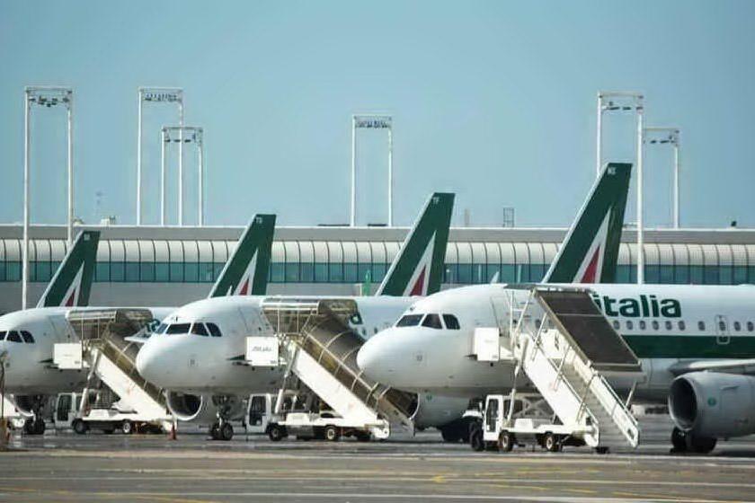 Si stringe su Alitalia, decisive le prossime due settimane