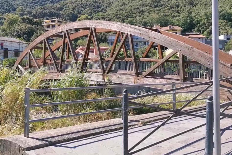 A Gonnosfanadiga la polemica sui nuovi ponti