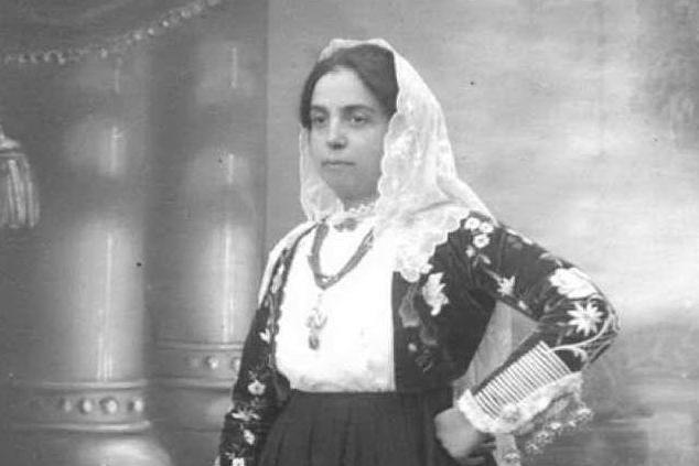 Ninetta Bartoli nel giorno della sua investitura ufficiale a Sindaco di Borutta