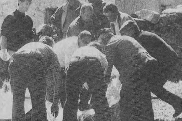 In un agguato davanti al loro ovile vengono uccisi i tre fratelli Coccone