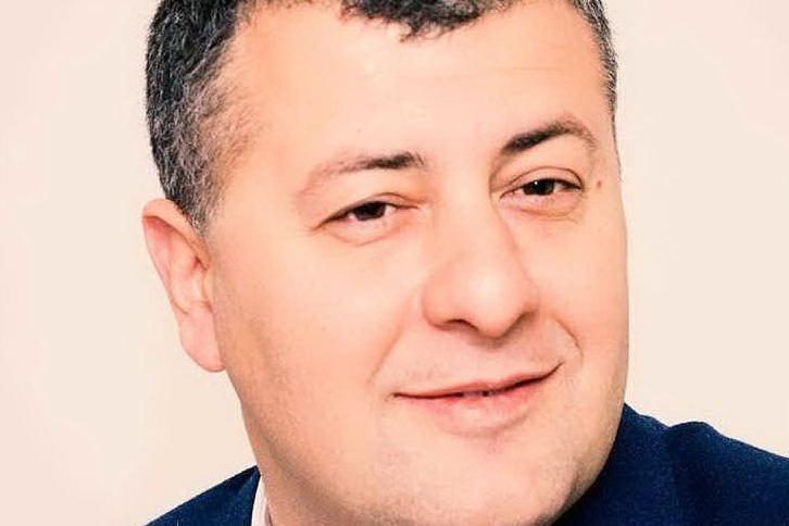 """Botte al grido di """"Duce, duce"""": l'ex deputato Arturo Scotto aggredito dai neofascisti"""