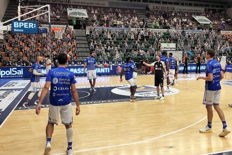 Dinamo batte Cremona 83-74 nella prima gara di Supercoppa