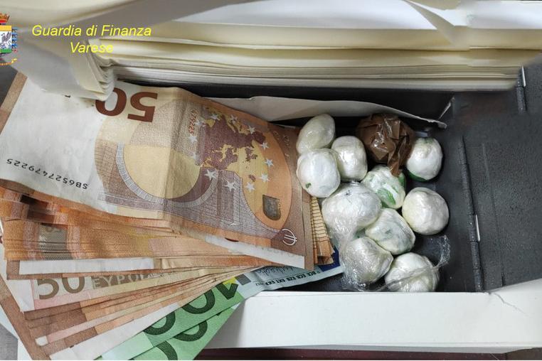 Droga dal messico: sequestrati 19 chili di cocaina purissima